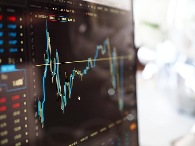 איך להשקיע במניות